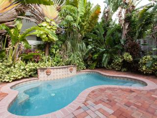 Luxury Family Town-Home,walk distance to the beach, Pompano Beach