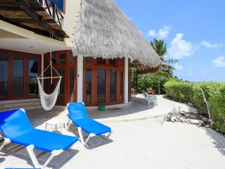 Stunning 3 Bdr Beachfront Paradise, Chic and Relax, Tulum