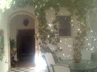 Habitación doble en patio de vecinos, Jerez De La Frontera