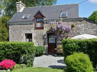 Beautiful secludedcottage in tranquil surroundings, Pontivy