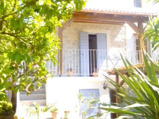 House by the sea in Preko