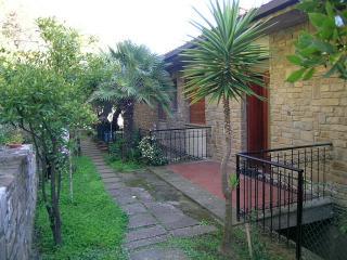 Panoramica e tranquilla con terrazza e giardino