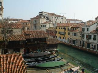 Villa in Gondola View | Rent Villas | Classic Vacation, Venice