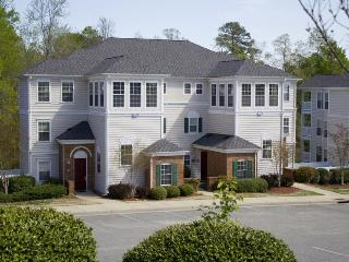 Greensprings Vacation Resort: 4-Bedrooms Sleeps 12, Williamsburg