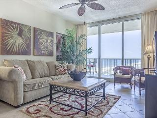 Beautiful Beach Club Condo - Avalon Building - Book now for Summer!