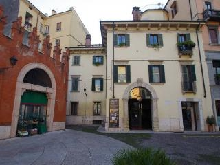 Casa Ferrari B&B Verona centro (Verona downtown)