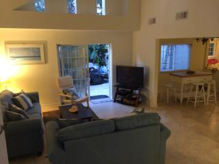 Fabulous pool home in Cocoa Beach Area, Cap Canaveral