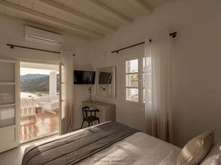 COVA MYKONOS - EXECUTIVE SUITE