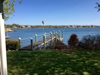 Ocean Waterfront Cottage With Dock, Narragansett