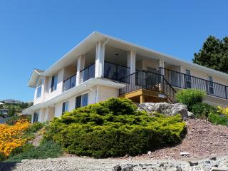Clarence Heights - Spectacular Lake Views, Peachland
