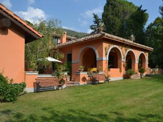 Large Family-Friendly Italian Villa with Guesthouse Within an Hour of Rome - Casa di Poggio, Poggio Catino