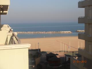 Spazioso appartamento direttamente sulla spiaggia, Cattolica