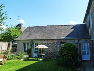 Village cottage in secluded courtyard setting, Domfront