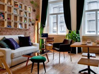 Very Central Artist Apartment, Praga