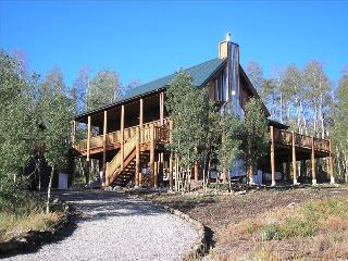 Beautiful Log Mountain Home, Fairplay, CO