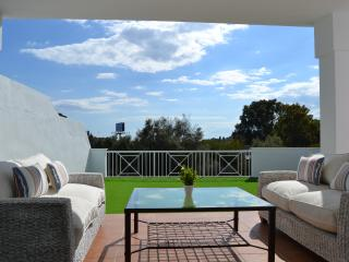 Beach & Golf house at Cabopino, Marbella. 5 Beds