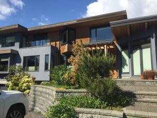 Vancouver View in a Stunning Modern House - 6 ppl, North Vancouver