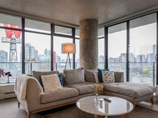 Stunning view & luxury stay dowtown Vancouver!
