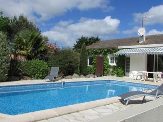 Maison de vacances avec piscine privée chauffée, Saint-Reverend