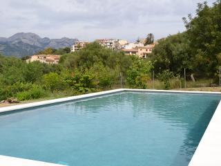 A estrenar, espaciosa con gran piscina y jardin, Campanet