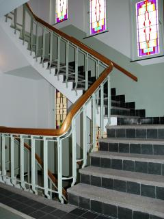 stairwell (elevator available)