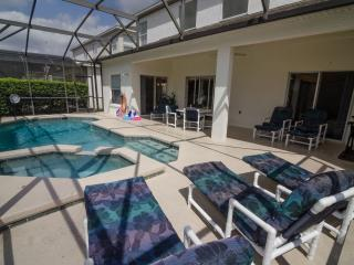 Six bedroom, pet friendly, executive pool home, Kissimmee