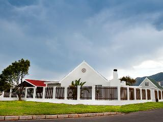 Sandbaai Cottages 1