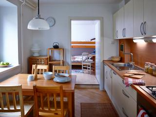 Holiday Home Happy Stay, an authentic countryside stone house within nature park