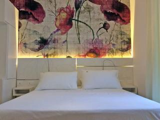 Maison fleurie - Poppies room