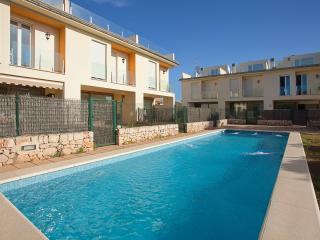Semidetached house with shared pool in Alcudia L52