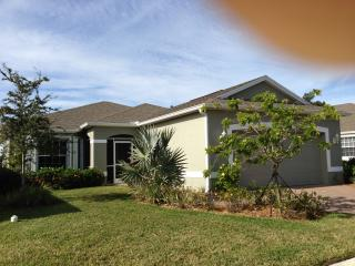 SINGLE HOME WITH POOL, Vero Beach