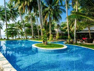 Villa Kalyana 20 room Beachfront Ko Samui Thailand