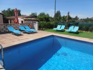 Casa campo  con piscina y Wi-fi para 6 personas, Inca