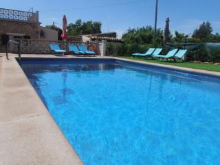 Casa Campo  con piscina y Wi-fi para 6,7 personas, Inca