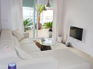 NEW 2 BEDROOM APT. BEST AREA IN IBIZA POOL&PADDLE, Talamanca