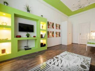 Hi5 Apartments 58 - Heroes square - Király street