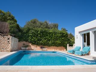 Lovely Villa close to Amnesia with Jacussi & Pool, Ibiza Ciudad