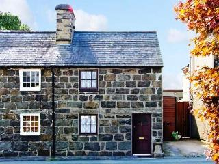 Grade II Listed Cottage near Seaside Pwllheli