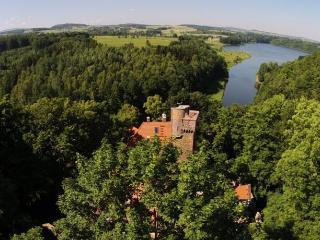 Zamek Rajsko.Zamek na wyłączność