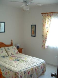Master bedroom at 2a Litoral I, Nerja (Andalucian Villas Ltd)