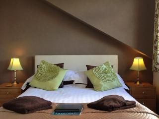 Number 80 bed then breakfast, Room 4, Bowness-on-Windermere
