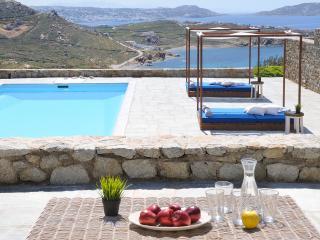 blueground Villa Chloe, Mykonos, Choulakia, pool, Cidade de Míconos