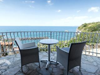 Charming Apartment Sea View, Marina del Cantone