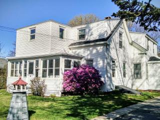2BR / 1B - Willard Beach -- South Portland