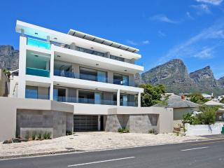 Oceanside Luxury Villa Camps Bay, Bakoven