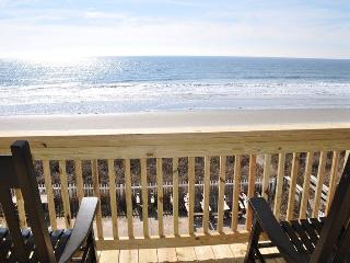 Ocean Front Pet Friendly House, North Myrtle Beach