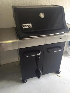 barbeque in style on the Weber propane drille