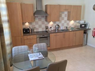 Coast Apartments Sea; 1bed luxury family apartment. 2 adults, 2 children