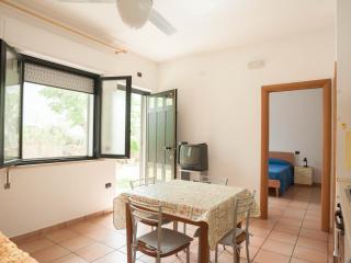 Bilocale con dehor su giardino  Two-room apartment, Roseto Degli Abruzzi