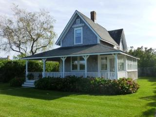 4 Bedroom 2 Bathroom Vacation Rental in Nantucket that sleeps 8 -(10352)